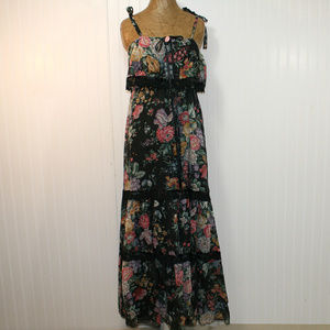 VINTAGE ON THE ROCKS Tiered Lace Floral Sun Dress